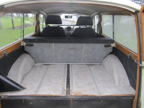 1968 MORRIS 'DE LUXE' TRAVELLER ESTATE ~ MATCHING NUMBERS SOLD (picture 4 of 6)