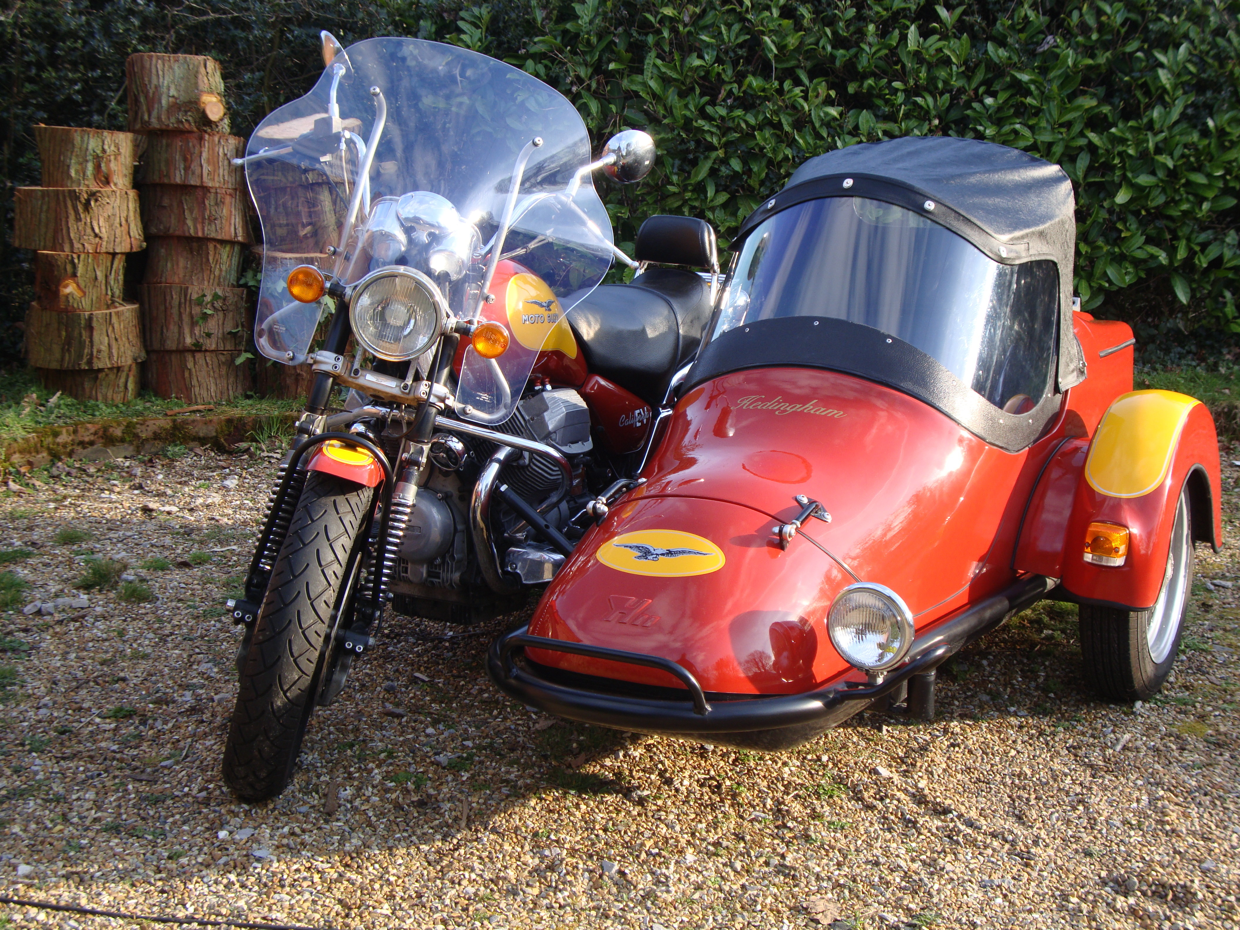 1997 Moto Guzzi Cali with Hedingham XL sidecar For Sale (picture 1 of 6)