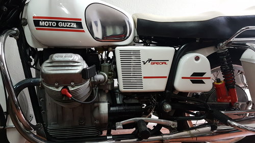 1973 Moto Guzzi V7 Special SOLD (picture 4 of 6)