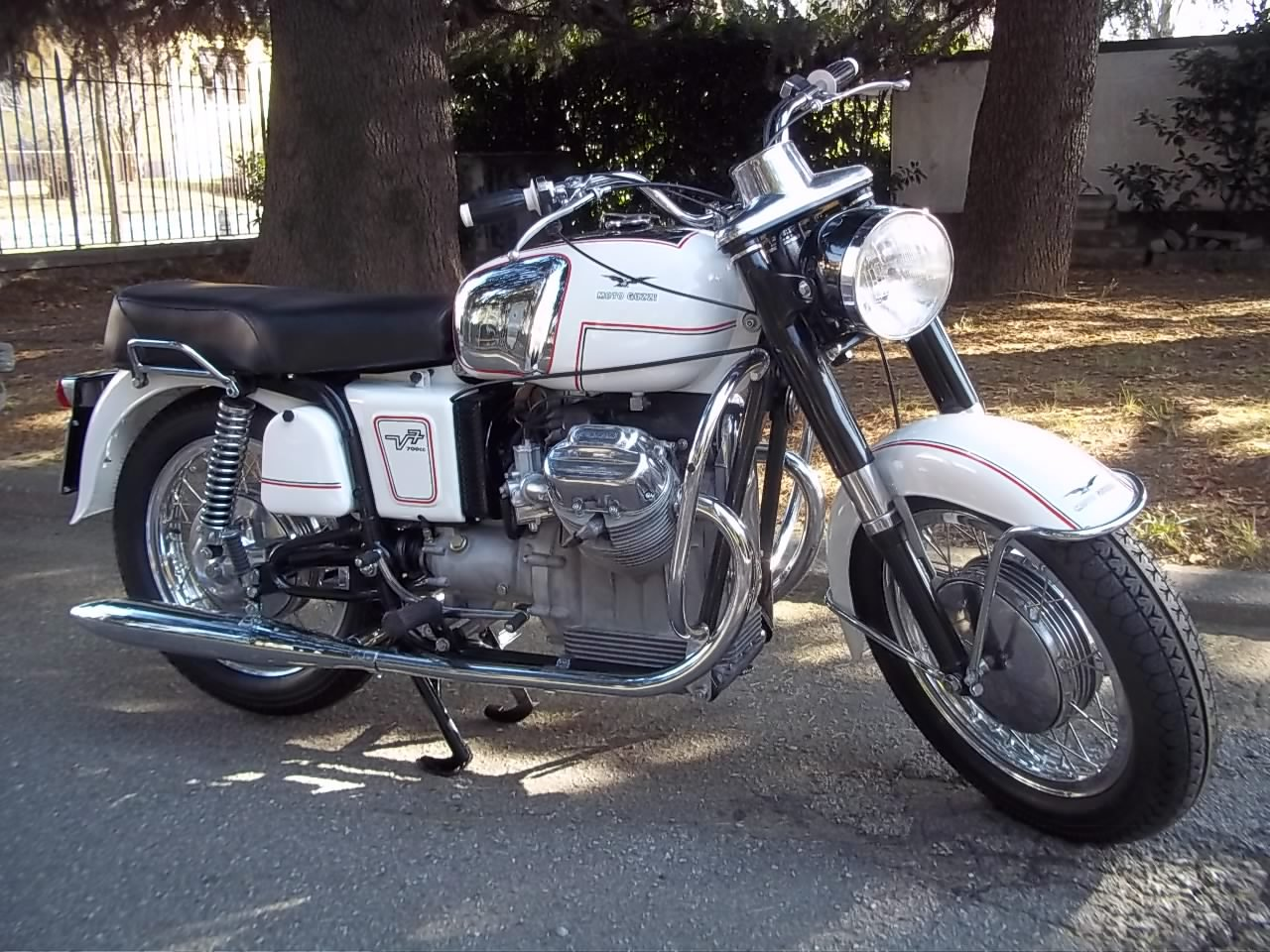 1969 MOTO GUZZI V7 For Sale (picture 1 of 6)