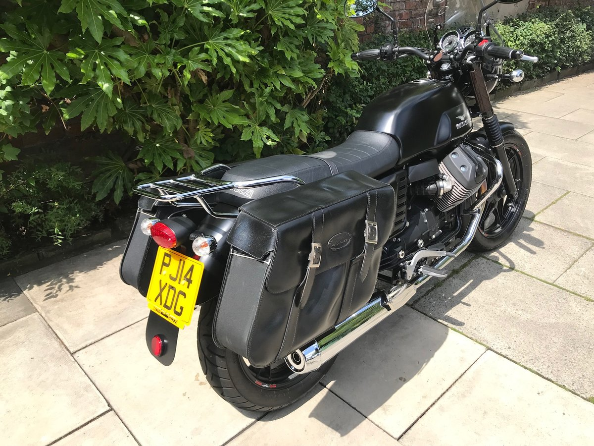 2014 Moto Guzzi V7 Stone, Only 1913miles, Perfect Condition For Sale (picture 2 of 6)