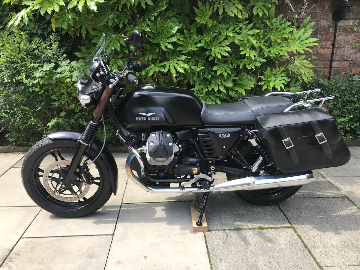 2014 Moto Guzzi V7 Stone, Only 1913miles, Perfect Condition For Sale (picture 3 of 6)
