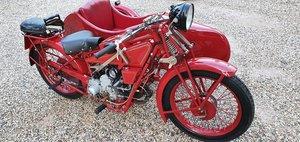 Moto Guzzi Sport 14 con sidecar