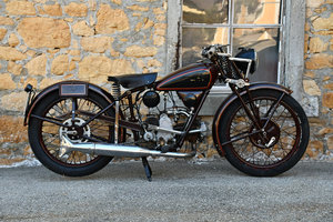 1933 Very rare and difficult to find P 175 in original condition For Sale