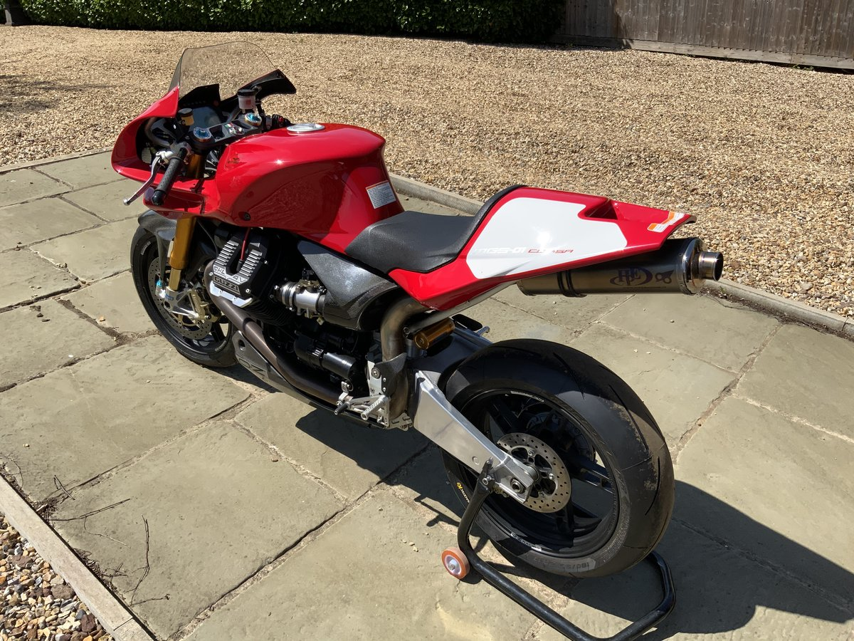 2008 Moto Guzzi MGS01 Corsa One of 50 only 950kms For Sale (picture 4 of 6)