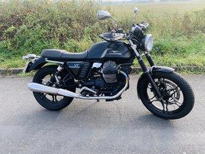 Moto Guzzi v7 stone, full mot, full service histor