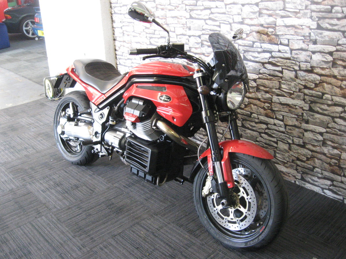 2006 06-reg Moto Guzzi Griso 1100 finished in red For Sale (picture 2 of 12)