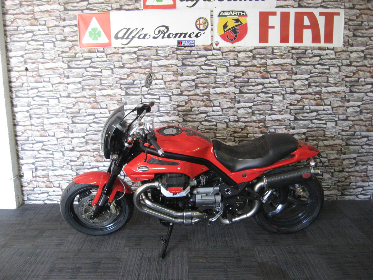 2006 06-reg Moto Guzzi Griso 1100 finished in red For Sale (picture 4 of 12)