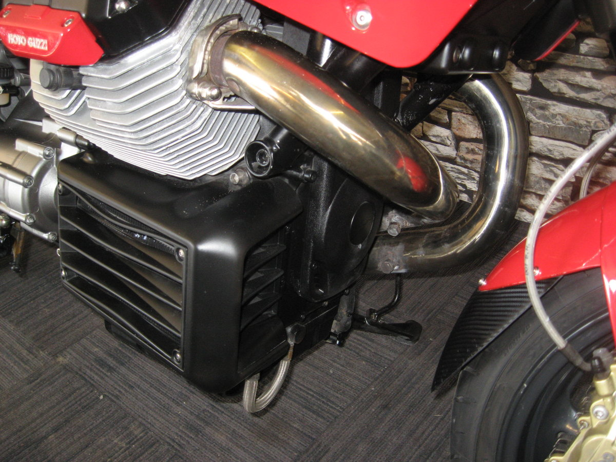 2006 06-reg Moto Guzzi Griso 1100 finished in red For Sale (picture 8 of 12)