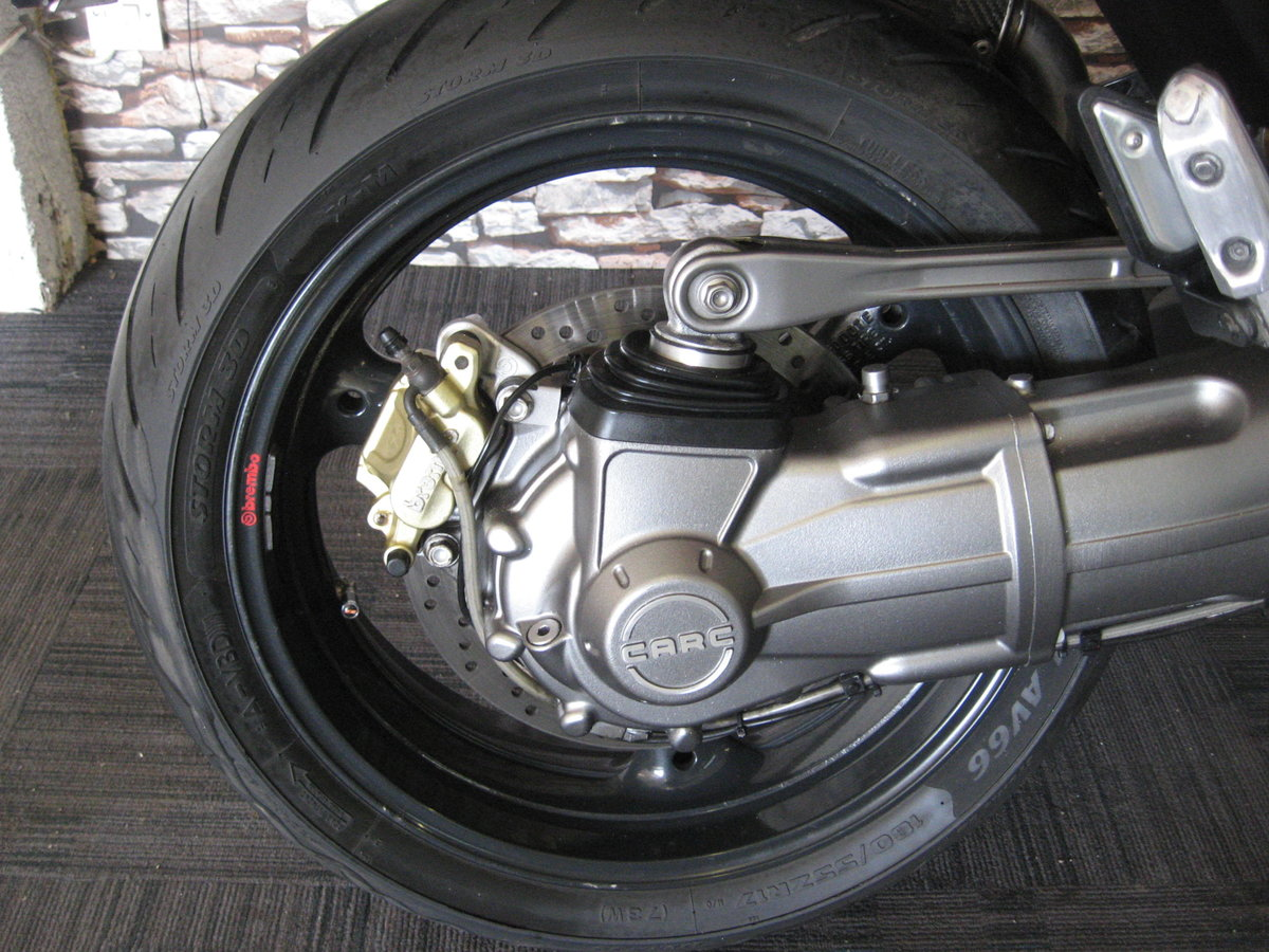 2006 06-reg Moto Guzzi Griso 1100 finished in red For Sale (picture 12 of 12)