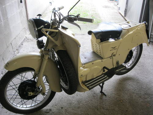 1954 Moto Guzzi Galletto 192 pedal start totally restor For Sale (picture 2 of 6)