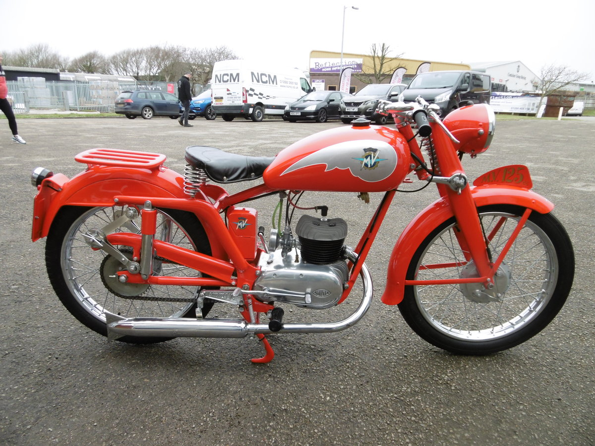 1952 MV125 FULL NUT AND BOLT RESTORATION  SOLD (picture 1 of 6)