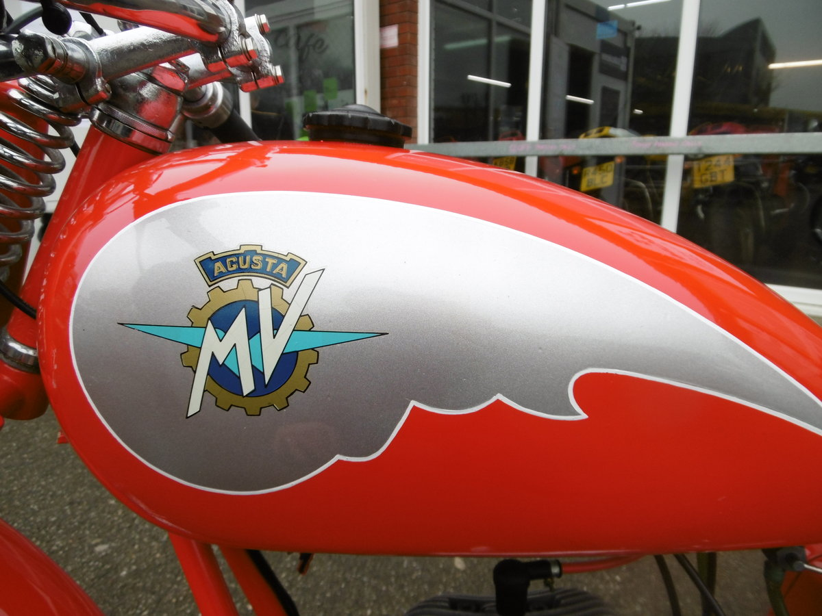 1952 MV125 FULL NUT AND BOLT RESTORATION  SOLD (picture 4 of 6)
