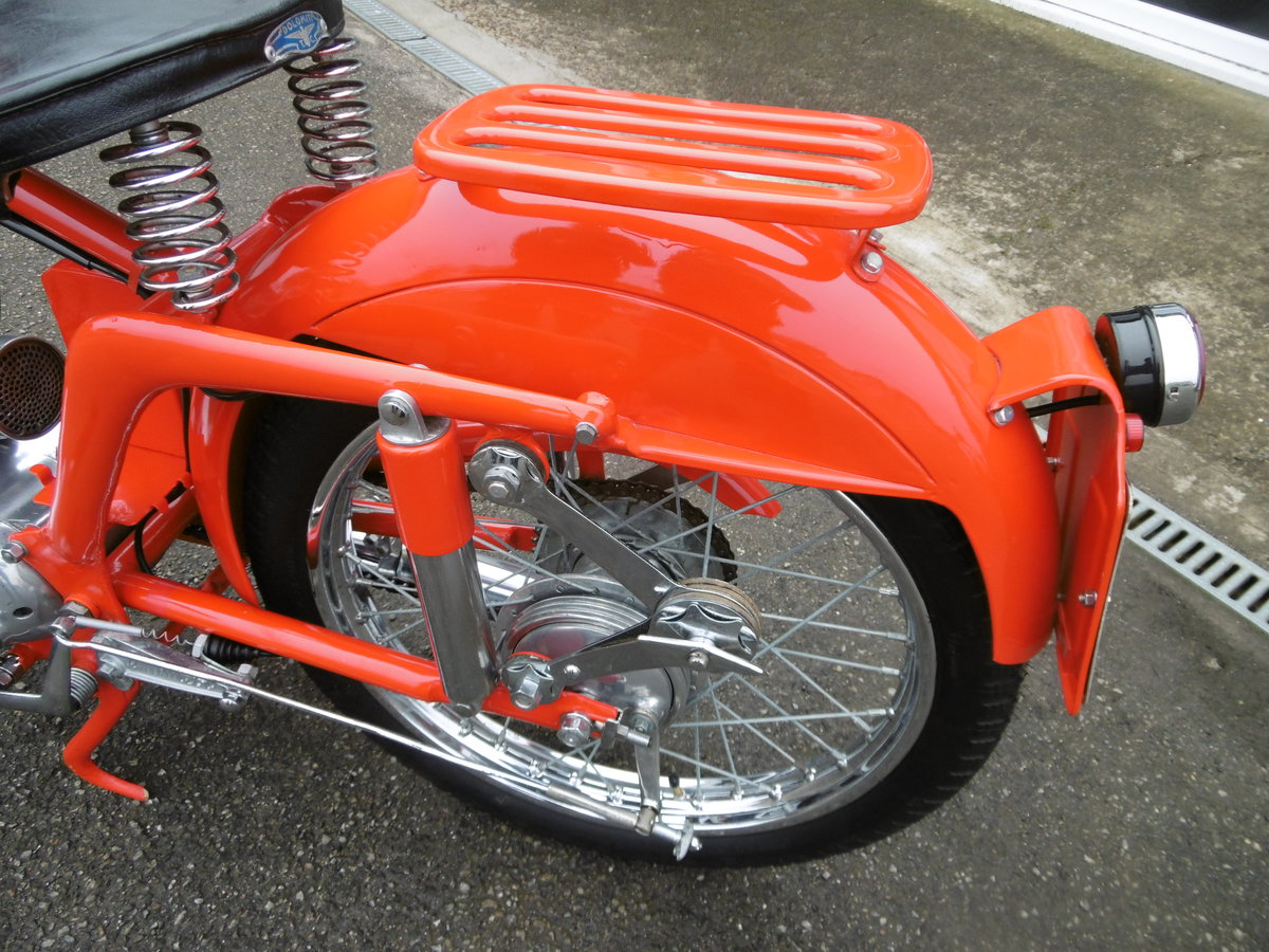 1952 MV125 FULL NUT AND BOLT RESTORATION  SOLD (picture 6 of 6)