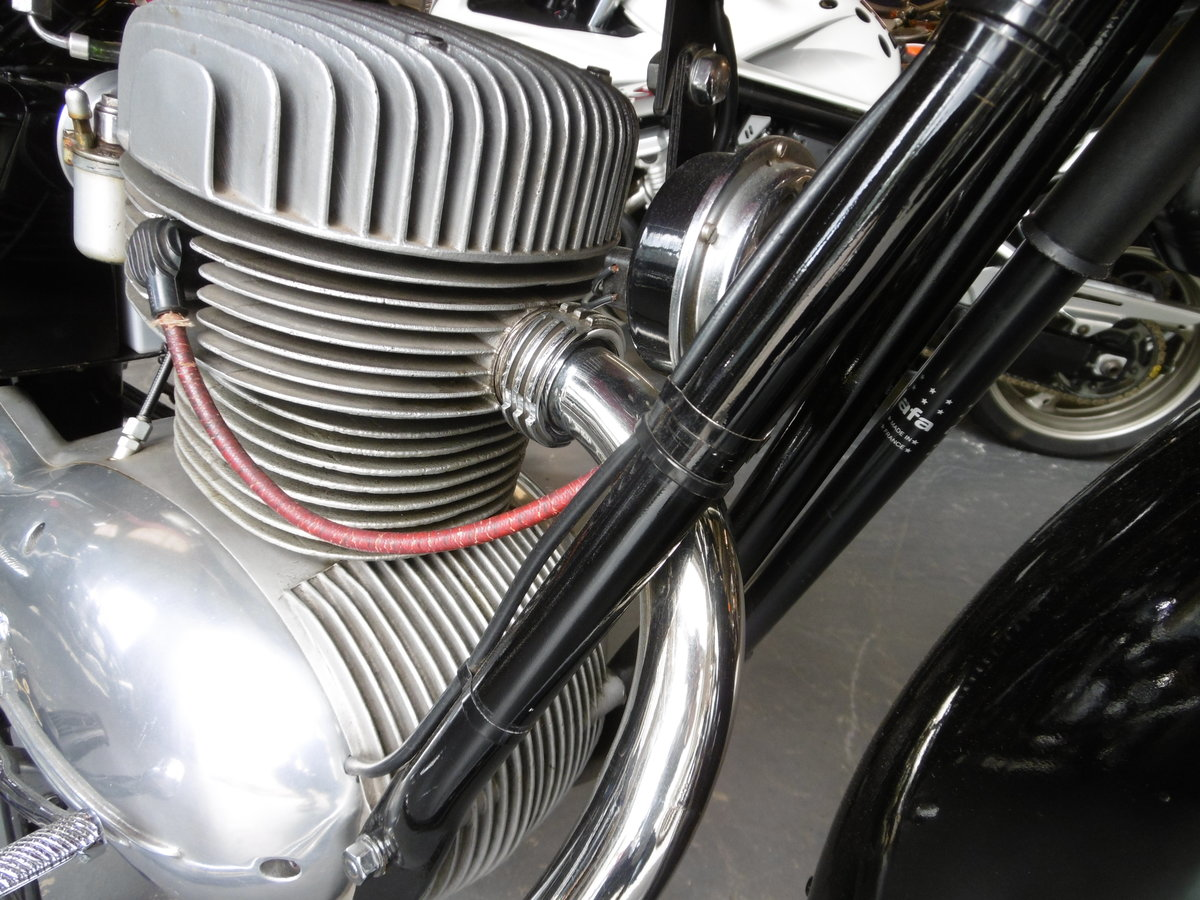 1956 MV Agusta Turismo 175 cs STUNNING FULL NUT AND BOLT RESTO SOLD (picture 3 of 6)