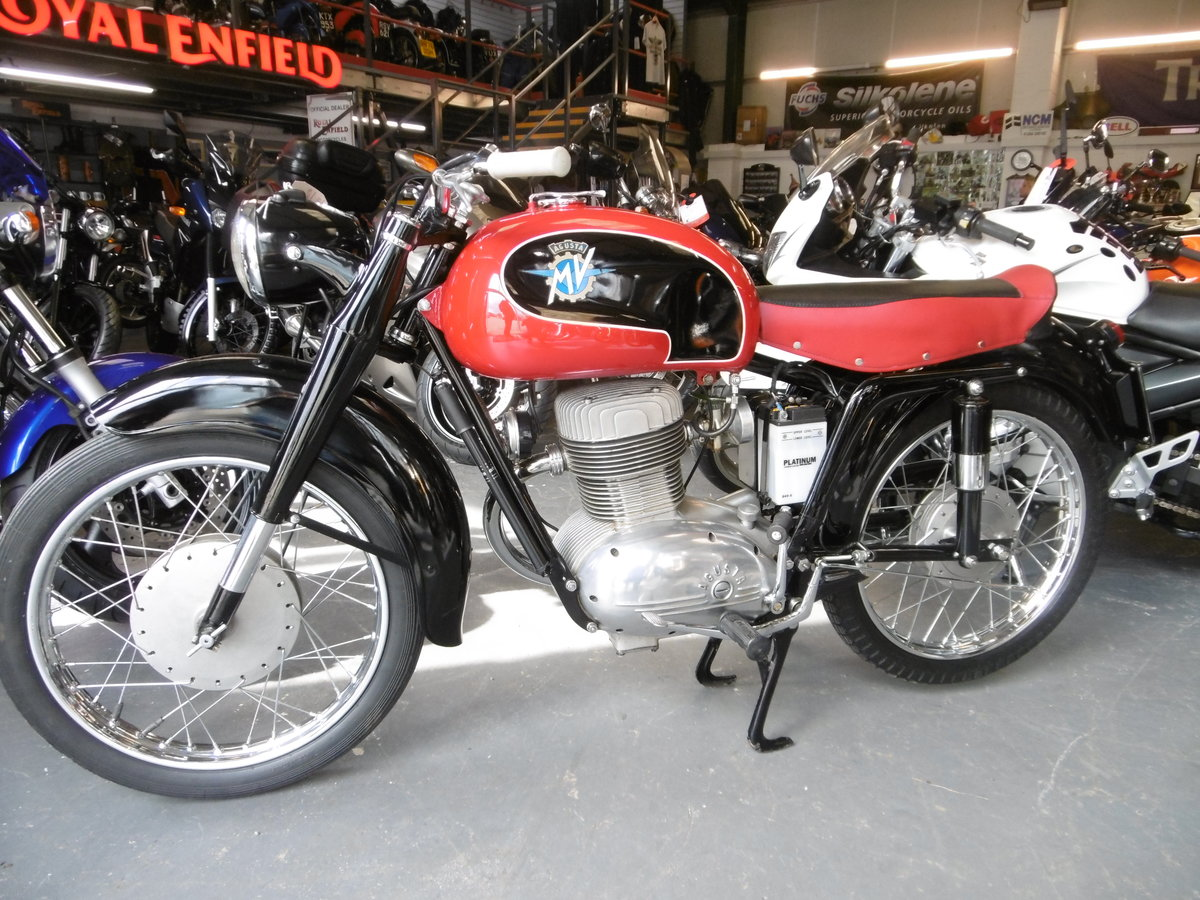 1956 MV Agusta Turismo 175 cs STUNNING FULL NUT AND BOLT RESTO SOLD (picture 4 of 6)