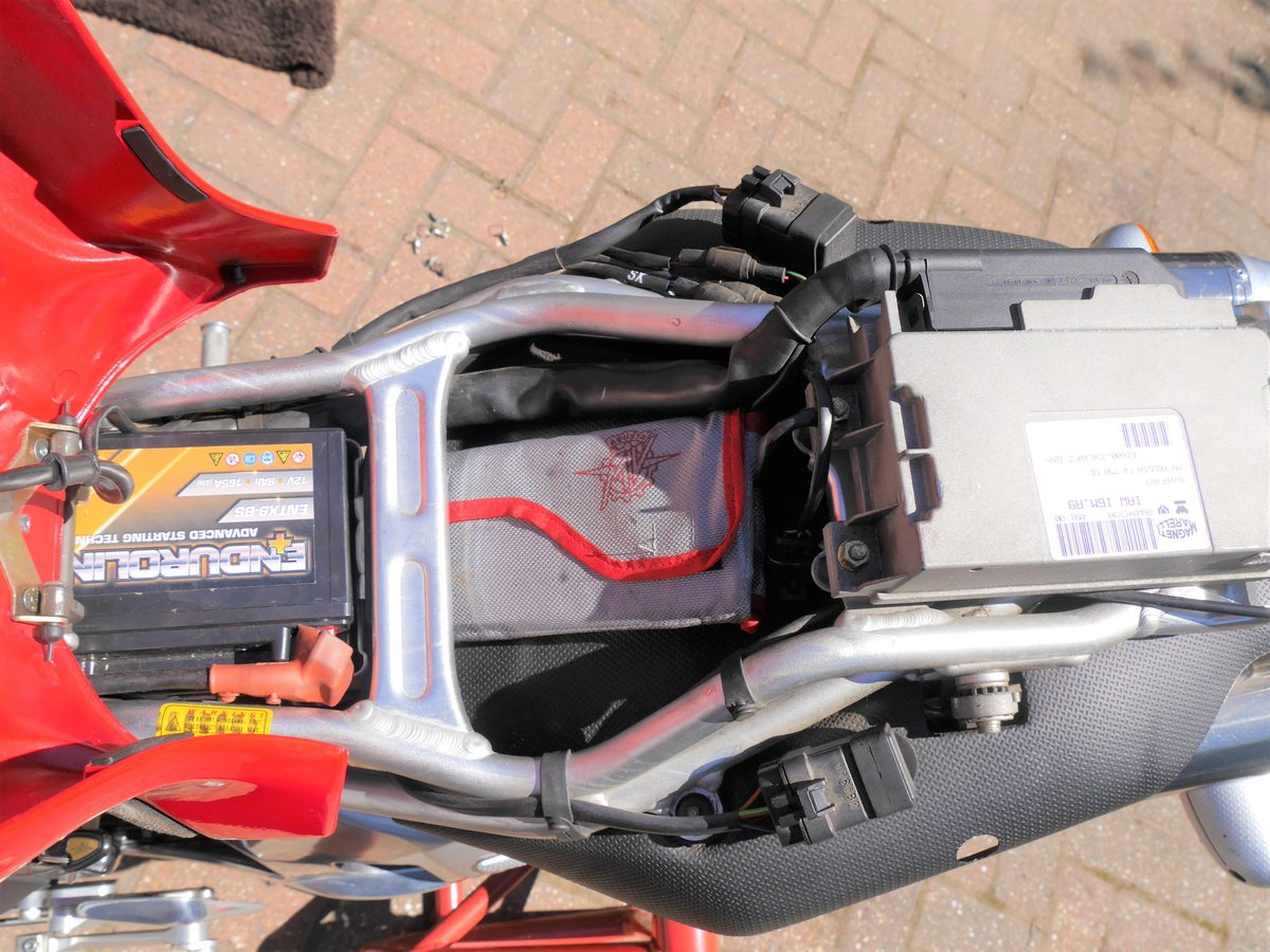 2000 MV Agusta 750F4 S, 7k miles W1N MV plate For Sale (picture 5 of 6)