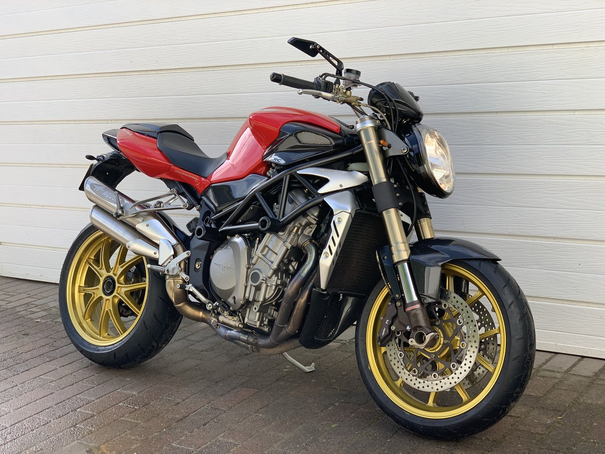 2005 MV Agusta 910 Brutale 0.9 (One Former Keeper) For Sale (picture 2 of 6)