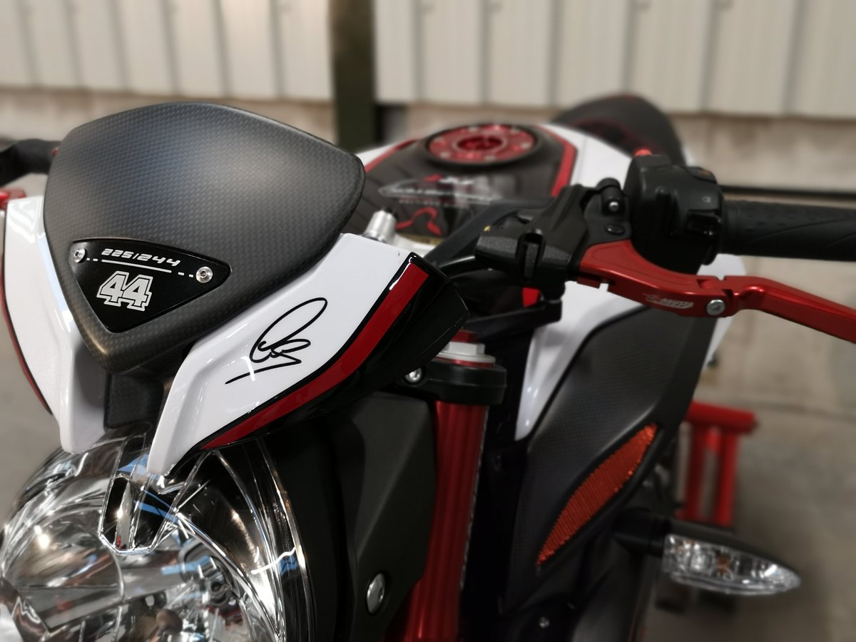 2016 MV Agusta Brutale Dragster RR 'LH44' Lewis Hamilton  SOLD (picture 6 of 6)
