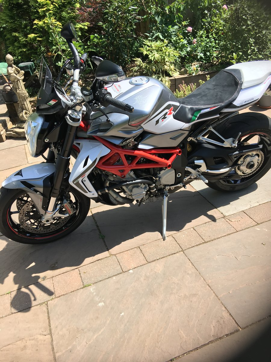 2016 MV Agusta Brutale 1090rr SOLD (picture 2 of 6)