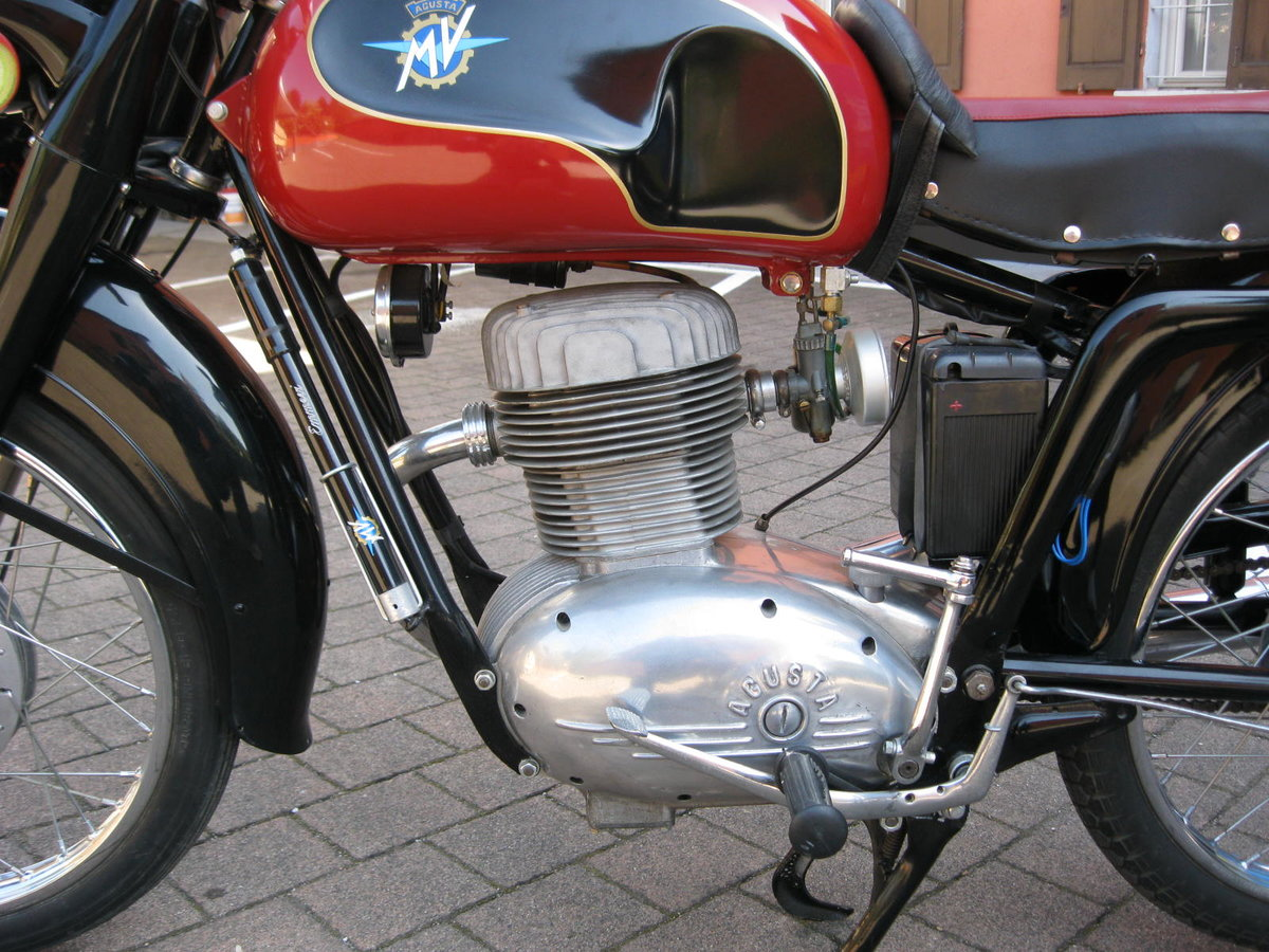 1955 MV Agusta 175 cc two units For Sale (picture 2 of 6)