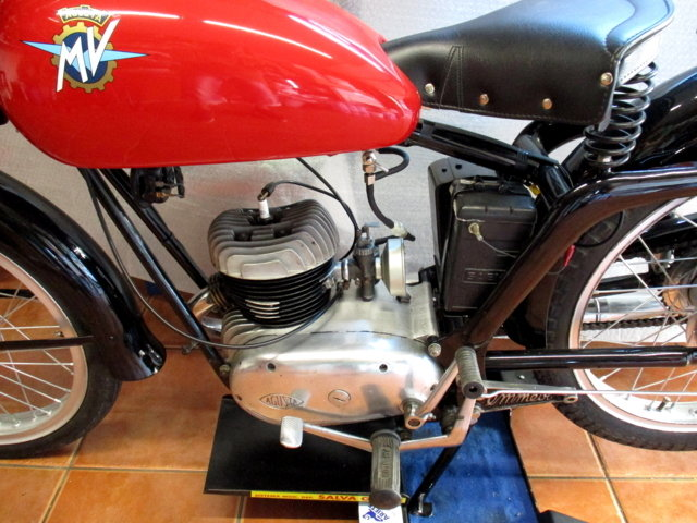 MV AGUSTA 125 TURISMO (1954) - EXCELLENT For Sale (picture 3 of 6)