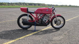 Picture of 1973 MV Agusta 500cc Grand Prix Racing Motorcycle Replica