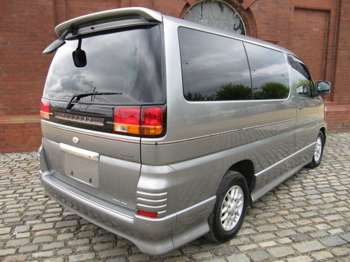 2001 NISSAN ELGRAND 3.5 AUTOMATIC 8 SEATER CAMPER 23000 MILES For Sale (picture 2 of 6)