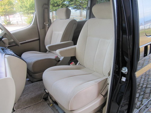 E51 3.5 VG 4X4 AUTO * TWIN SUNROOF * TWIN POWER DOORS For Sale (picture 3 of 6)