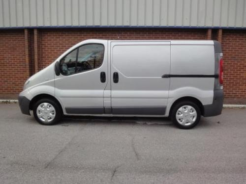 2007 NISSAN PRIMASTAR VAUXHALL VIVARO 2.0 dCi SE Van 115ps For Sale (picture 2 of 6)