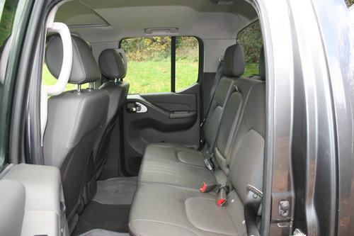 2011 Nissan Navara Tekna. 2.5 DCi. Double Cab Pickup. Hi Spec.  SOLD (picture 3 of 6)
