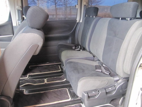 2006 NISSAN ELGRAND 2.5 RIDER S 4X4 ONLY 49000 MILES BODY KIT  For Sale (picture 4 of 6)