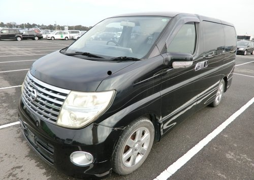 2005 NISSAN ELGRAND 2.5 HIGHWAY STAR * FRESH IMPORT * 8 SEATER CA SOLD (picture 1 of 6)