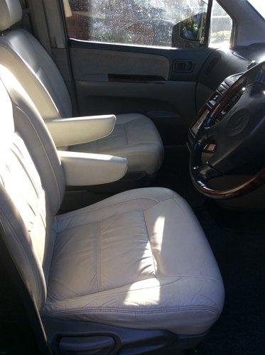 1999 Rare DUAL FUEL Nissan Elgrand Auto For Sale (picture 2 of 4)