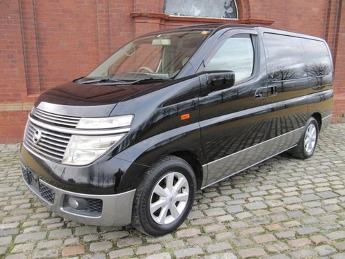 2002 NISSAN ELGRAND 3.5 TWIN SUNROOFS CURTAINS * ONLY 32000 MILES For Sale (picture 1 of 6)