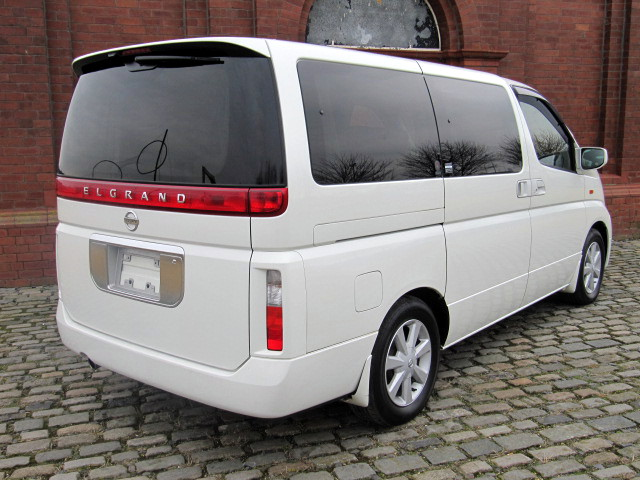 2003 ELGRAND E51 NE51 3.5 XL 7 SEATS LEATHER SUNROOFS & CURTAINS For Sale (picture 2 of 6)