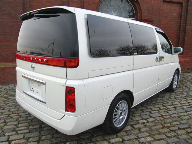 2006 NISSAN ELGRAND 3.5 XL 4X4 TOP OF THE RANGE * TWIN SUNROOF  SOLD (picture 2 of 6)
