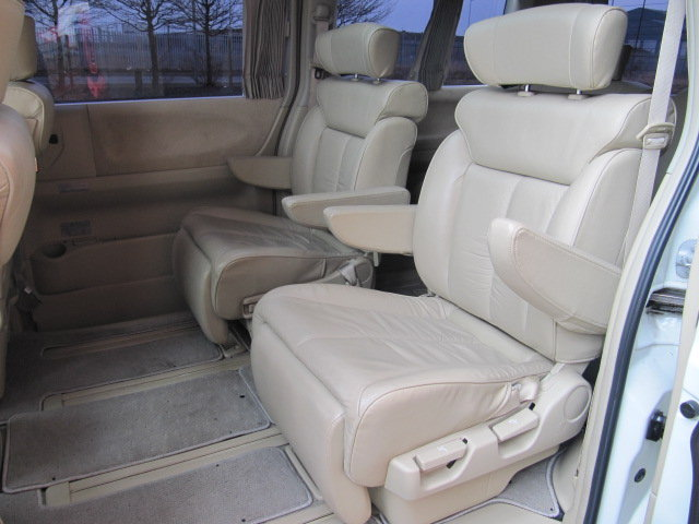 2006 NISSAN ELGRAND 3.5 XL 4X4 TOP OF THE RANGE * TWIN SUNROOF  SOLD (picture 4 of 6)