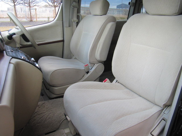 2005 NISSAN ELGRAND 2.5 HIGHWAY STAR * LOW MILEAGE * 8 SEATER  SOLD (picture 3 of 6)