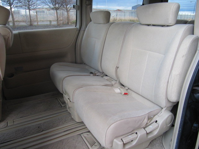 2005 NISSAN ELGRAND 2.5 HIGHWAY STAR * LOW MILEAGE * 8 SEATER  SOLD (picture 4 of 6)