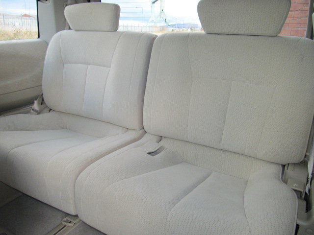 2005 NISSAN ELGRAND 2.5 HIGHWAY STAR * LOW MILEAGE * 8 SEATER  SOLD (picture 5 of 6)