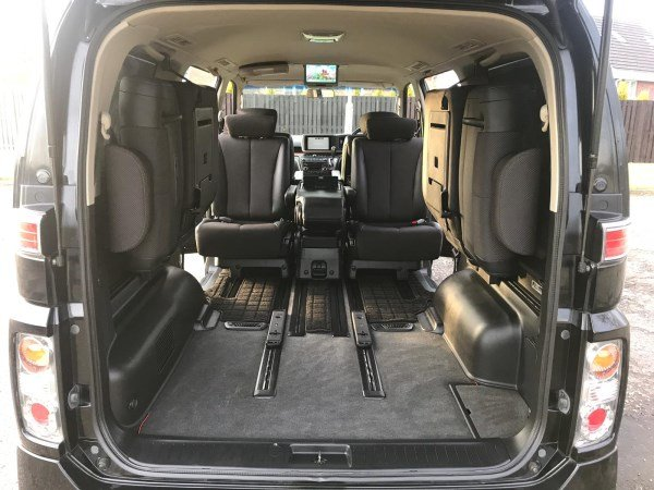 2005 FRESH IMPORT NISSAN ELGRAND HIGHWAY STAR 8 SEATS AUTO  For Sale (picture 4 of 6)
