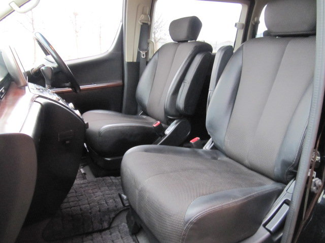 NISSAN ELGRAND 2005 E51 3.5 * HIGHWAY STAR * 8 SEATER CAMPER For Sale (picture 3 of 6)