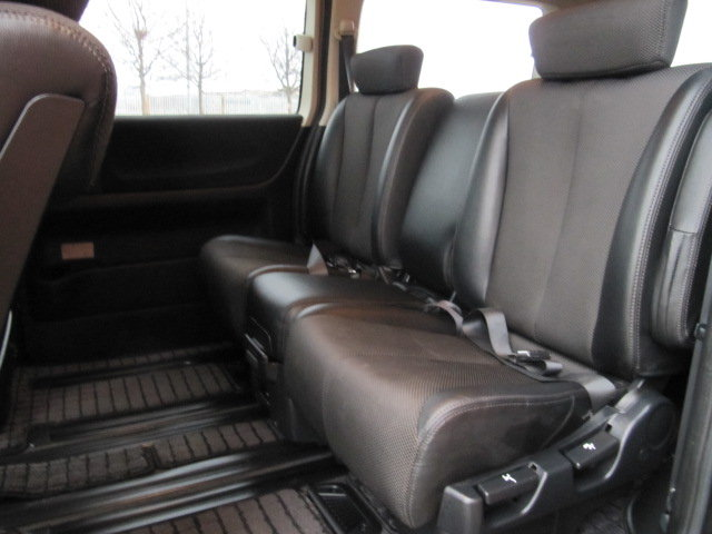 NISSAN ELGRAND 2005 E51 3.5 * HIGHWAY STAR * 8 SEATER CAMPER For Sale (picture 4 of 6)