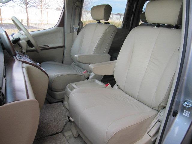 2005 NISSAN ELGRAND E51 3.5 XL LEATHER * TWIN POWER DOORS SOLD (picture 3 of 6)