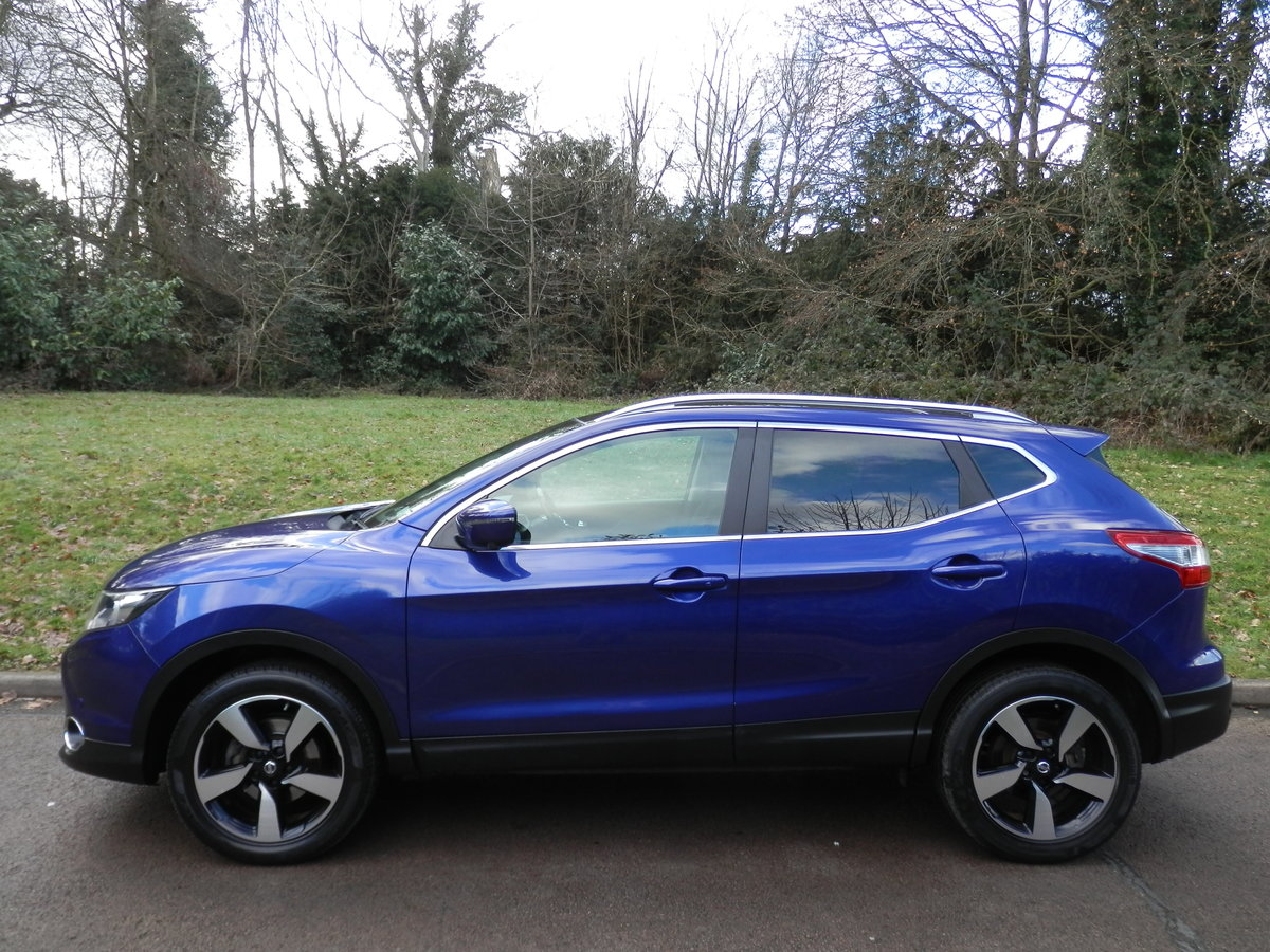 Nissan Qashqai N-TEC + Dig-T.. Top Spec Pan Roof + Low Miles SOLD (picture 1 of 6)