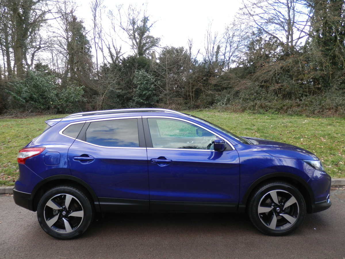 Nissan Qashqai N-TEC + Dig-T.. Top Spec Pan Roof + Low Miles SOLD (picture 6 of 6)