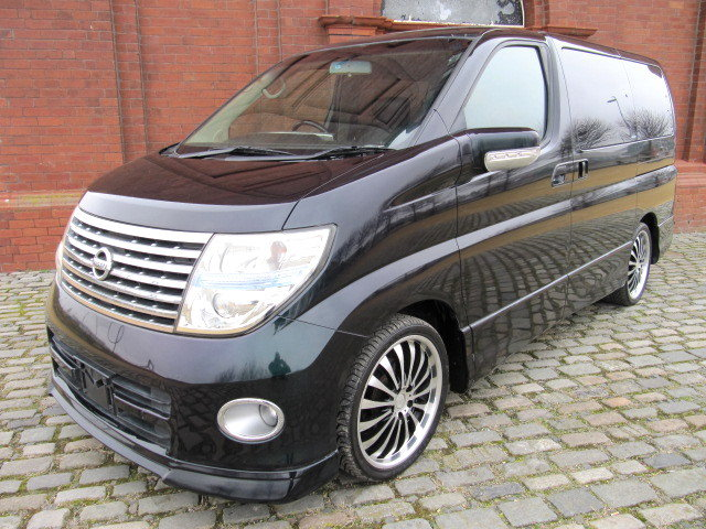2005 NISSAN ELGRAND 3.5 HIGHWAY STAR * ONLY 27000 MILES * 8 SEATS SOLD (picture 1 of 6)