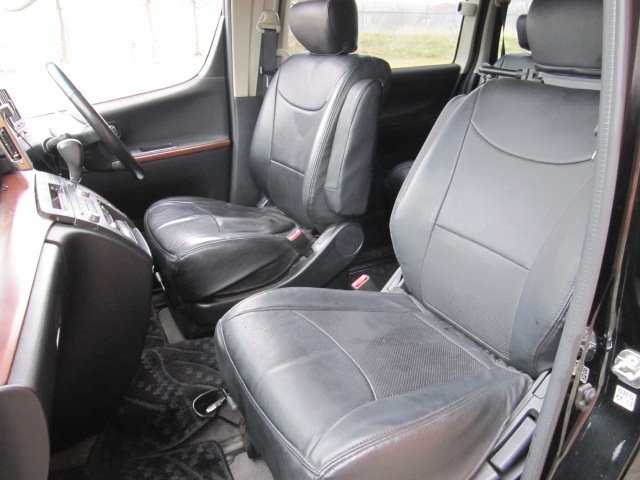 2005 NISSAN ELGRAND 3.5 HIGHWAY STAR * ONLY 27000 MILES * 8 SEATS SOLD (picture 3 of 6)