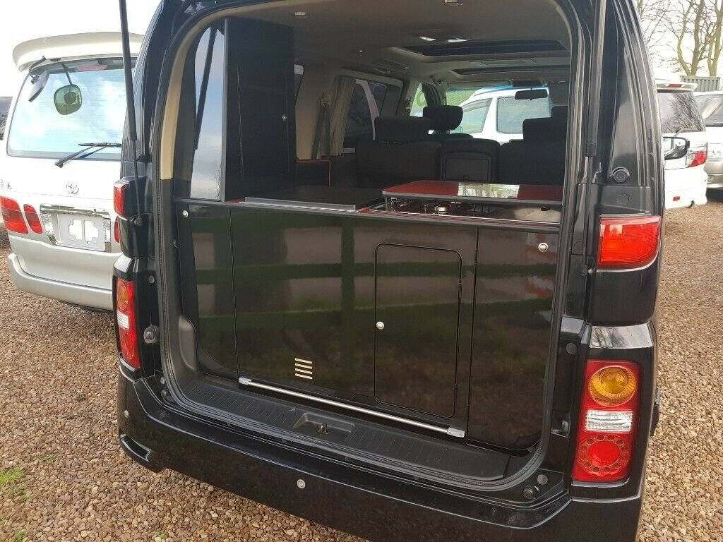 2005 Nissan Elgrand Highwaystar SOLD (picture 3 of 6)